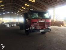 Camión volquete Scania 113 360