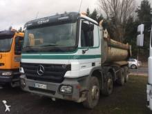 camión volquete escollera Mercedes