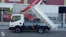 Camión volquete Nissan Cabstar