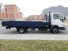 Camión caja abierta Nissan Cabstar 35.13
