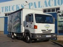 Camión caja abierta transporte de bebidas Nissan Atleon 165