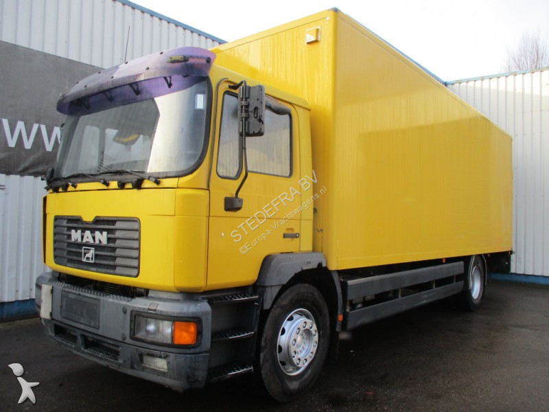 used man me box truck 4x2 diesel euro 3 rear hatch n 2462738. Black Bedroom Furniture Sets. Home Design Ideas