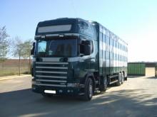 Camión para ganado porcino Scania L 124L420