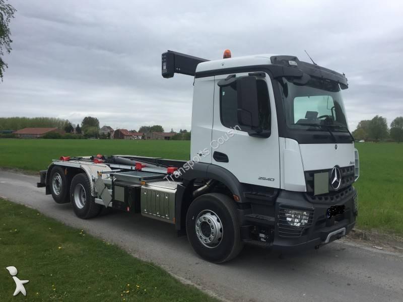 Noleggio camion mercedes scarrabile euro 6 usato n 2473341 for Noleggio della cabina del parco cittadino