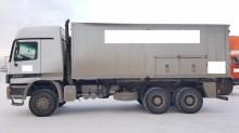 грузовик машина бурильная Mercedes