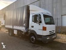 Nissan tautliner truck
