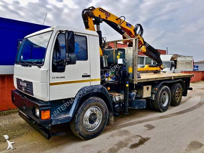 Tweedehands vrachtwagen man kipper 6x2 euro 5 kraan for Vrachtwagen kipper met kraan