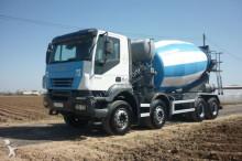 Camión hormigón cuba Mezclador Iveco CAMION HORMIGONERA IVECO 350 8X4 2005 10M3