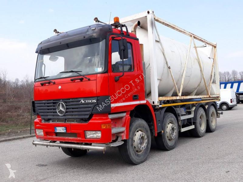 camion mercedes citerne actros 4144 occasion n 2607711. Black Bedroom Furniture Sets. Home Design Ideas