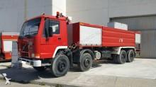 vrachtwagen tankautospuit Volvo