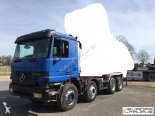 camión Mercedes Actros 3240