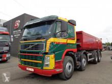 camion benne Volvo