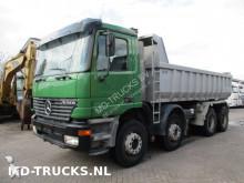 vrachtwagen Mercedes Actros 3243