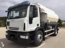 vrachtwagen tank koolwaterstoffen Iveco