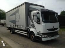 Renault tautliner truck