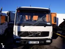 Camión multivolquete Volvo FL 220