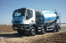 Camión hormigón cuba Mezclador Iveco - CAMION HORMIGONERA 350 8X4 2005 10M3