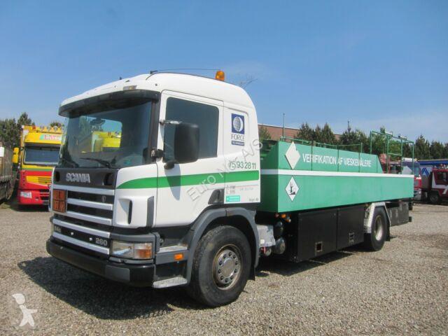 Voir les photos Camion Scania P94/260 4x2 10.000 l. ADR
