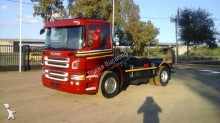 Camión portacontenedores Scania P 270