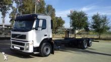 Camión chasis Volvo FM 300