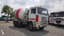 camion calcestruzzo Volvo