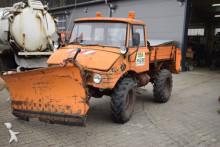 Unimog 421 mit Winterdienstausrüstung, INT 10275 truck