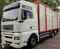 Camión para ganado MAN TGA 26.440