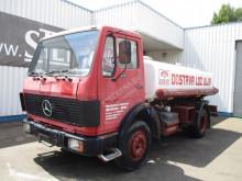 vrachtwagen Mercedes 1213