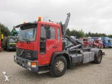 Volvo skip truck