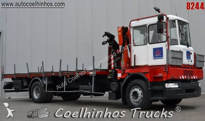4ca8a6f0c8 Used Renault iron carrier flatbed truck 4x2 Diesel Euro 3 crane - n°2798541