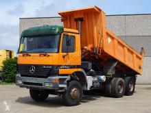 camião Mercedes 3340