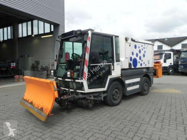 Schmidt SWINGO Compact 200 Kehrmaschine  LKW