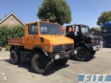 Unimog 424 truck