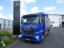 vrachtwagen aanhanger met zeilwanden Mercedes