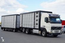ciężarówka do transportu zwierząt Volvo