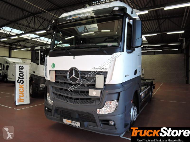Camion Mercedes 2542 LL