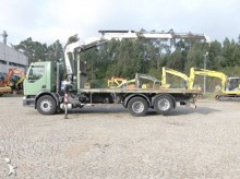 camión plataforma elevadora Renault