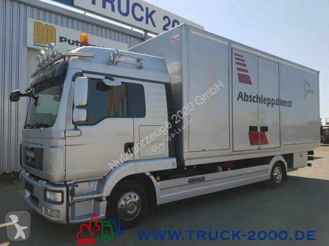Camion MAN 9.220 Tischer Schiebeplateau Koffer geschlossen