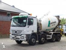 camion Mercedes 3241 8x4 / Liebherr 9m³