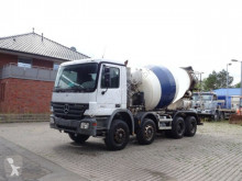 camion Mercedes 3241 8x4 / Baryval 9m³