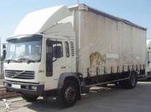 Camión lona corredera (tautliner) Volvo FL6 250