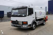 camión cisterna hidrocarburos Mercedes