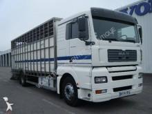 camión para ganado bovino MAN