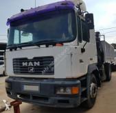 Camión volquete MAN 288