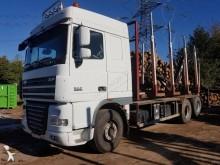 camión maderero DAF