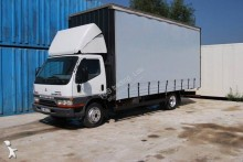 Mitsubishi tautliner truck