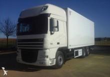 Camión frigorífico DAF XF105 460