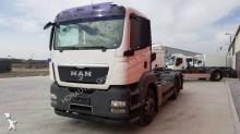 Camión portacontenedores MAN TGA 26.360