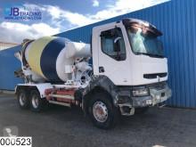 Renault Kerax 300 truck