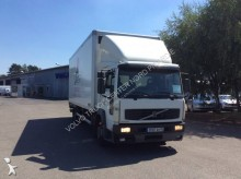 camion fourgon polyfond Volvo